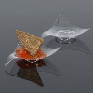 Engångstallrik i plast, vågig trekant, 50 st