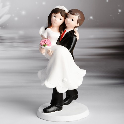 Tårtdekoration Brudpar, bär bruden, 17,5 cm