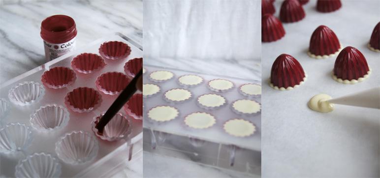 Måla pralinformen, fyll med vit choklad, spritsa ut vit choklad på bakplåtspaper.