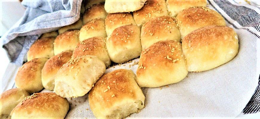 Färdiggräddat brytbröd.