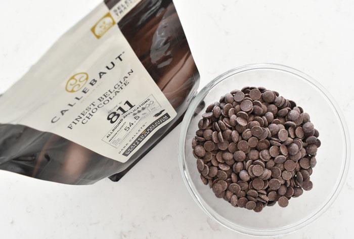 250 gram mörk choklad.