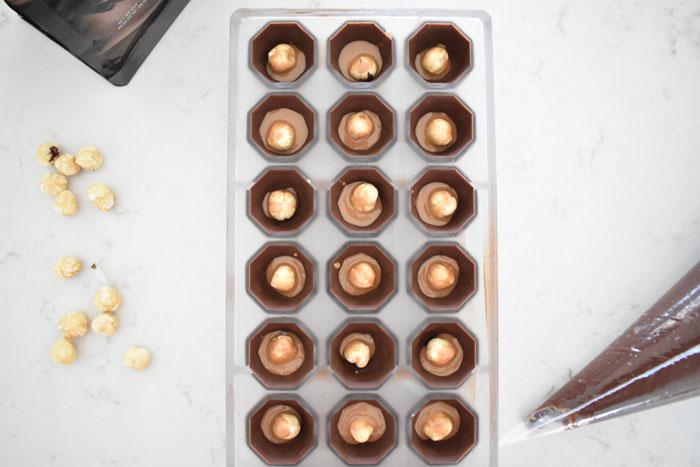 Fyllda chokladpraliner.