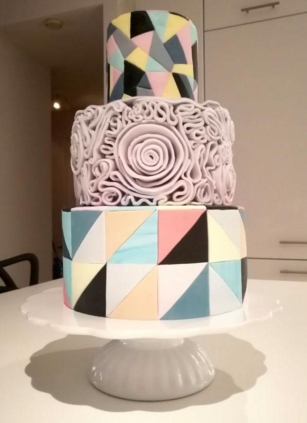 Harlequin Dream tårta i tre våningar