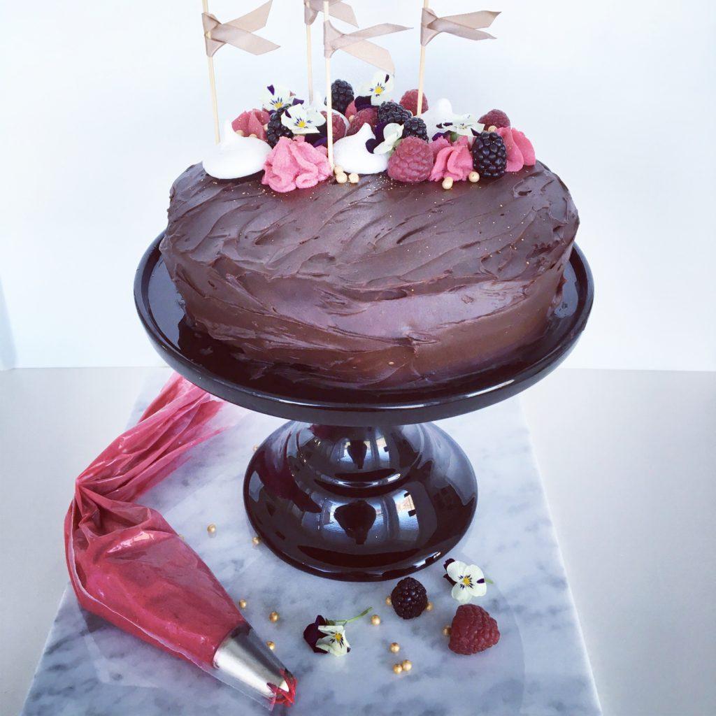 Chokladtårta fylld med dulche de leche