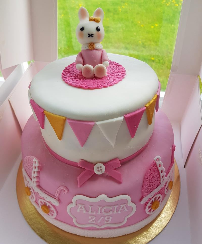 pink bunny cake