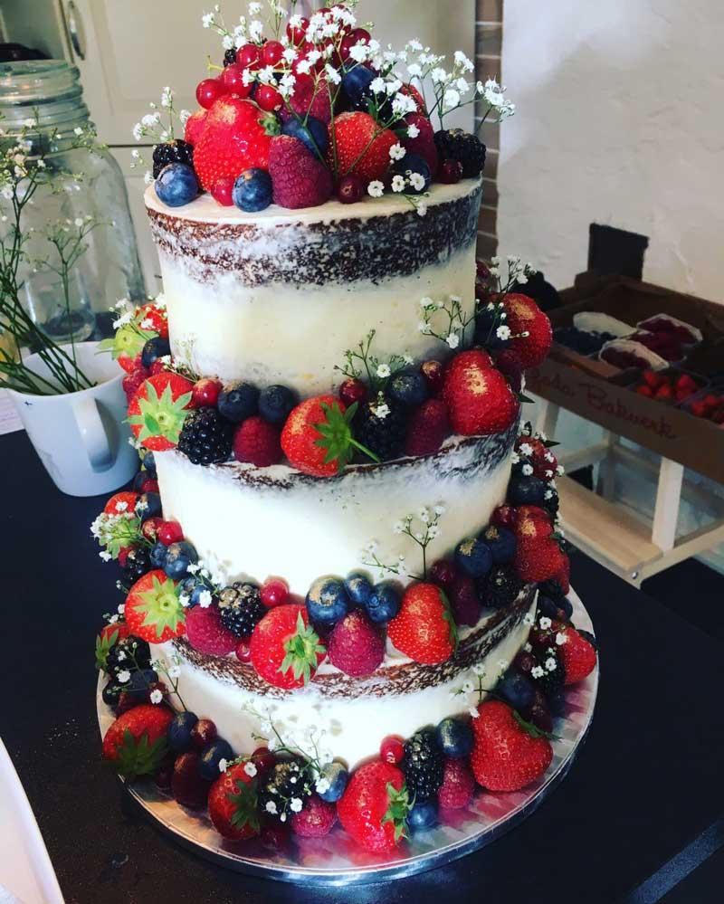 Naked cake av Kiara Wihlborg