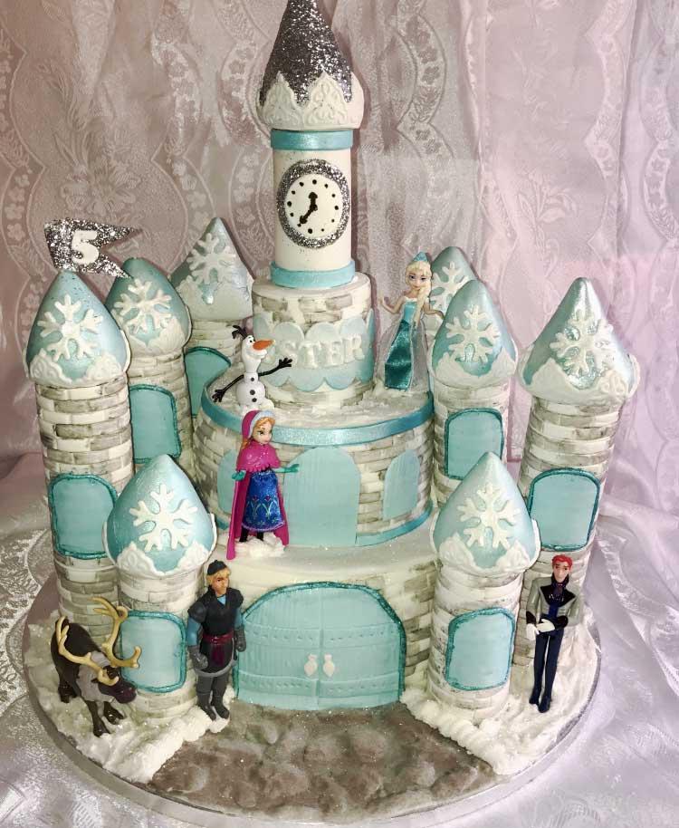 Tårta med slott från Frozen