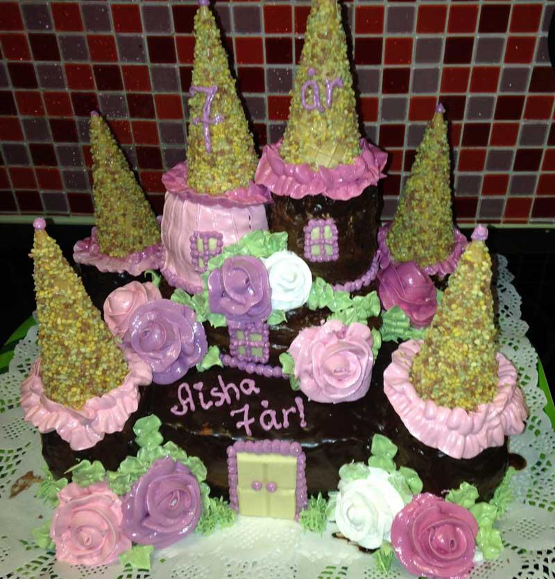 Födelsedagstårta med slott